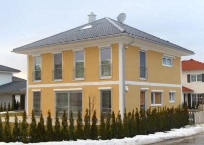 gelbes Haus, Holzbau Zimmerei Reichart