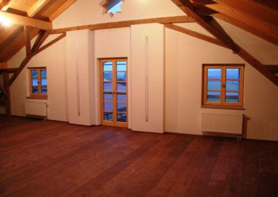 Sanierter Innenraum von Holzbau Zimmerei Reichart