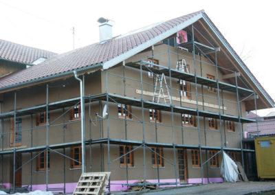 Zwischenschritt der Außensanierung, Holzbau Zimmerei Reichart